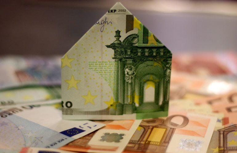 Comment renégocier votre crédit immobilier et faire des économies cet été ?